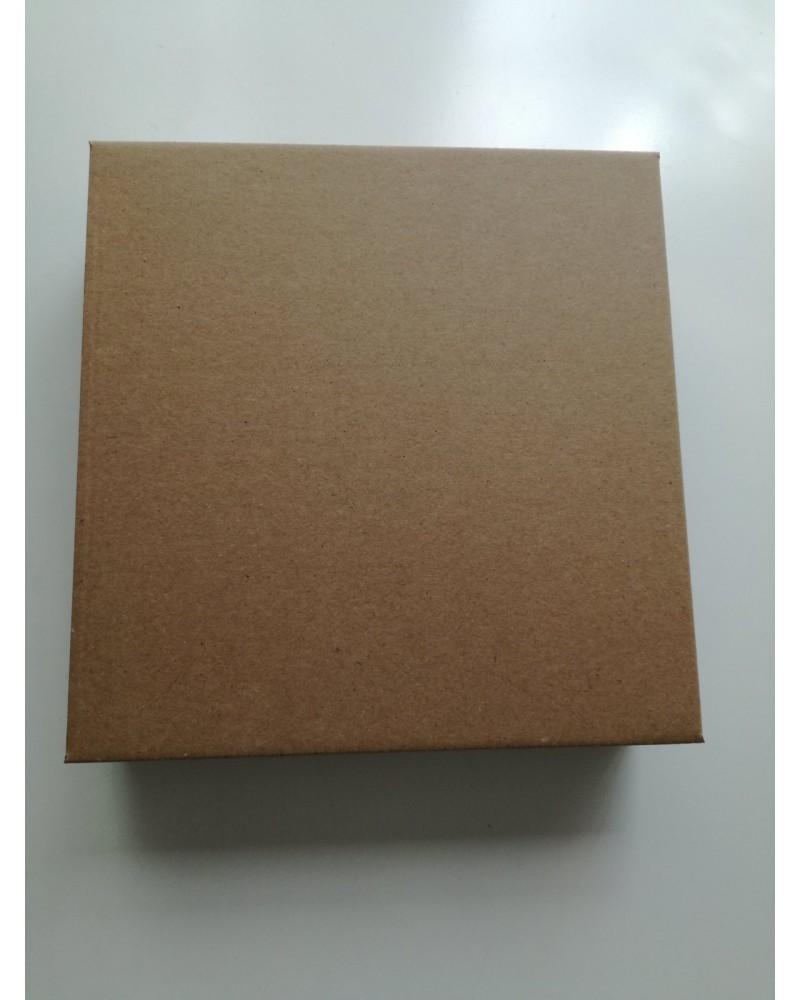 кутия с отделен капак кафява 20*20*5