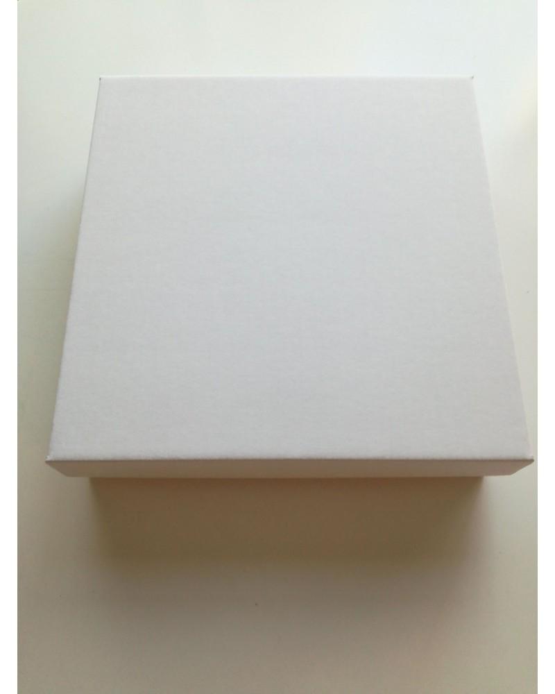 кутия с отделен капак бяла 20*20*5